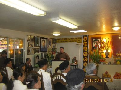 hoa_hao_buddhism_prophet_huynh_birthday_2011_27-content